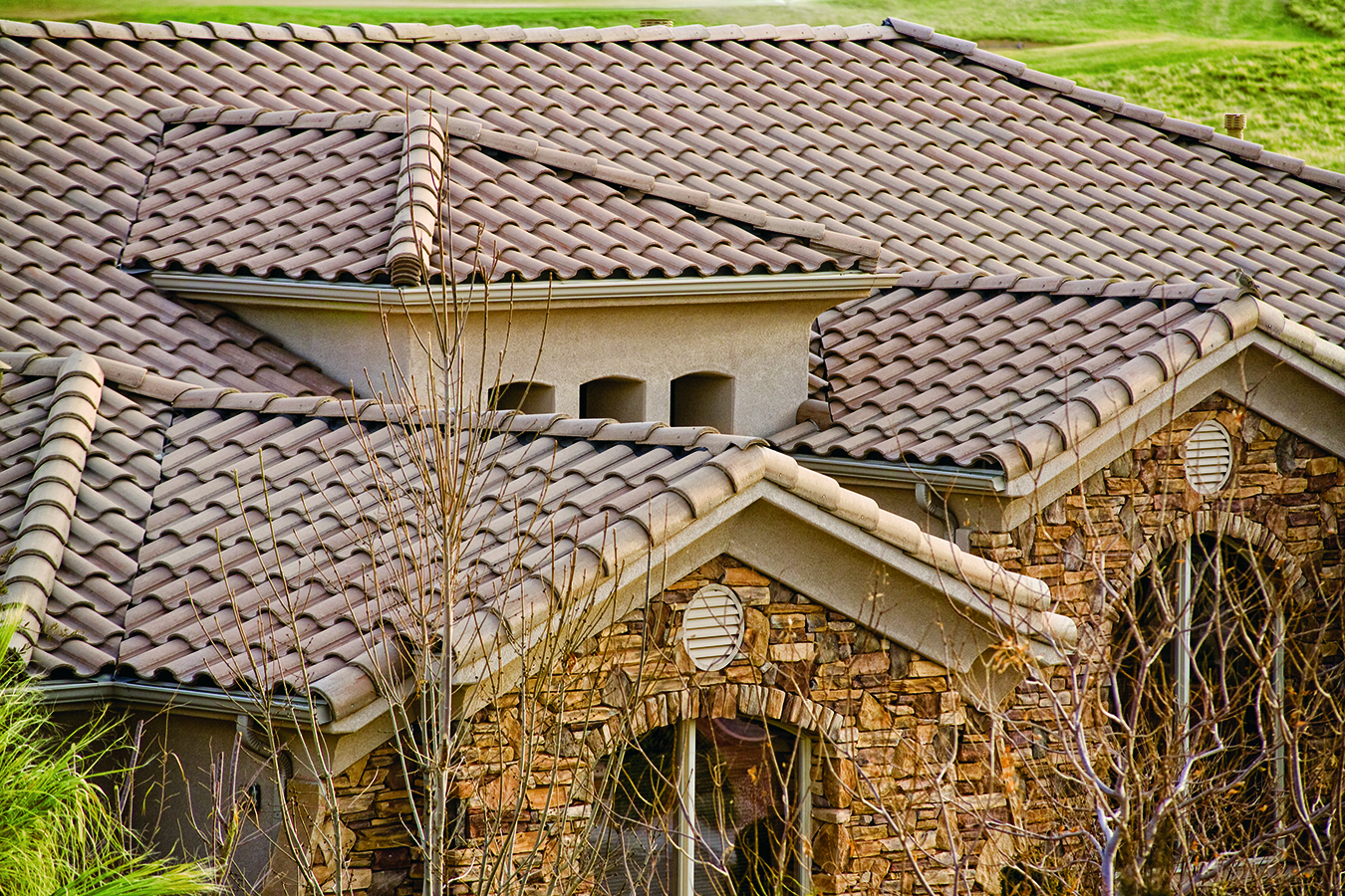 High barrel concrete roof tile eagle roofing for Barrel tile roof colors